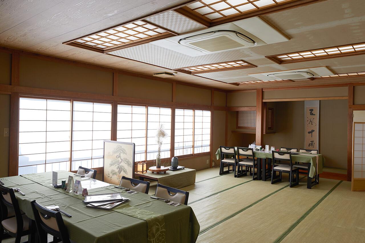 お料理処松風苑 大広間テーブル