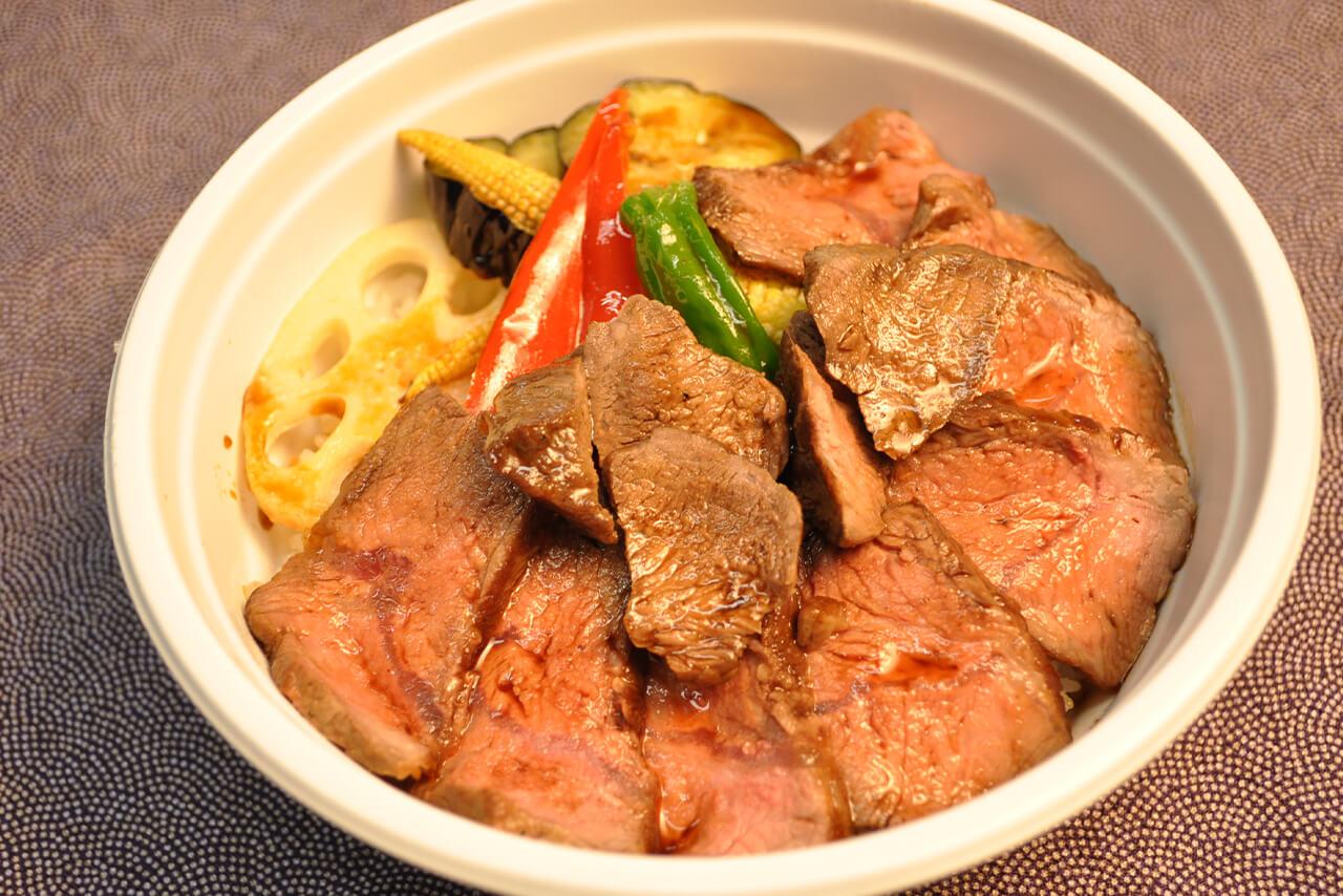 牛ステーキ丼 / 1,300円
